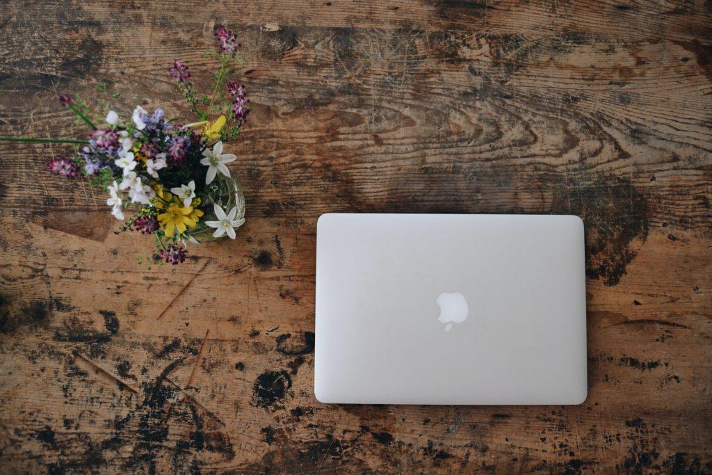 Atmosphere Design - Online Raum-Coaching mit Kommunikationsberaterin und Interior Designerin Maike Kristina Harich  Foto: Frederica Gusti / Unsplash